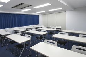 【22名収容可能】錦糸町駅 北口徒歩4分。リーズナブルな少人数貸会議室 の写真