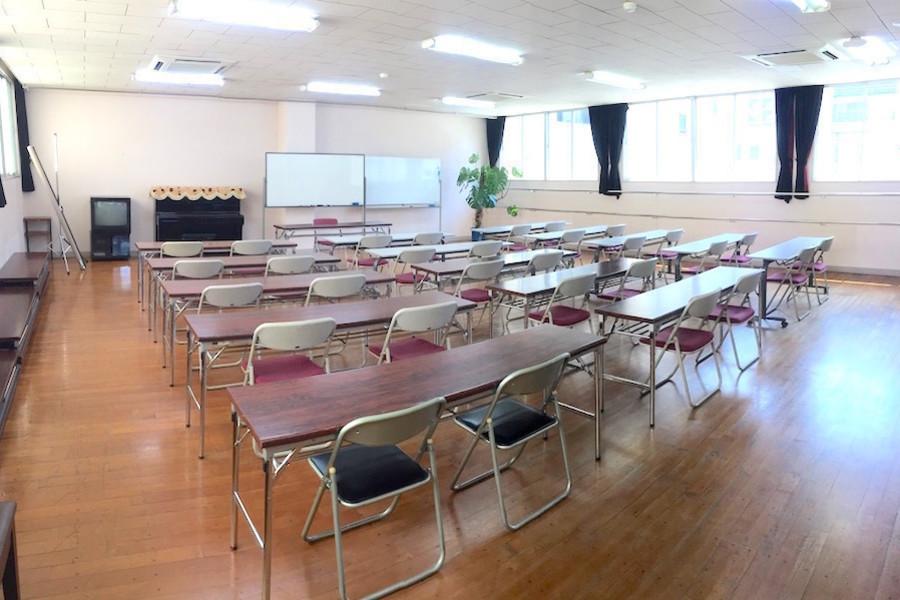 インスタント会議室 福岡赤坂店 : 3階 多目的スペースの会場写真