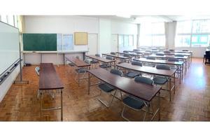 【天神・赤坂】駅近 セミナールーム(黒板あり)の写真
