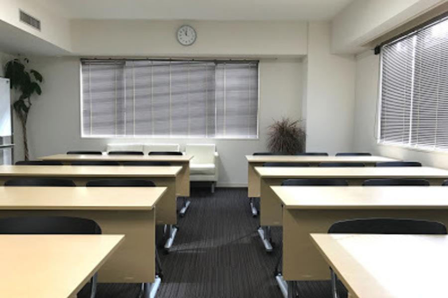 NATULUCK恵比寿 : 大会議室(定員24名/最大30名)の会場写真