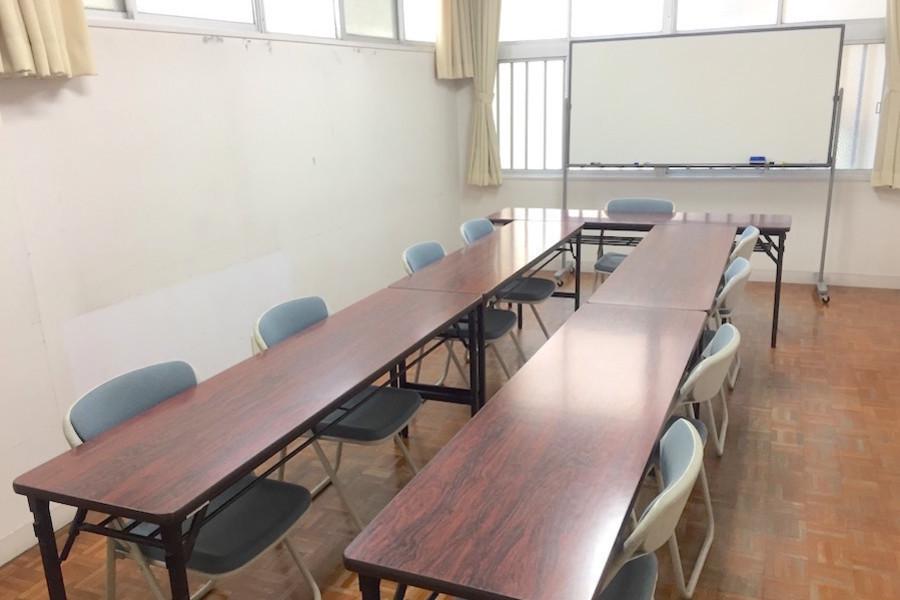 インスタント会議室 福岡赤坂店 : 2階 会議室Aの会場写真