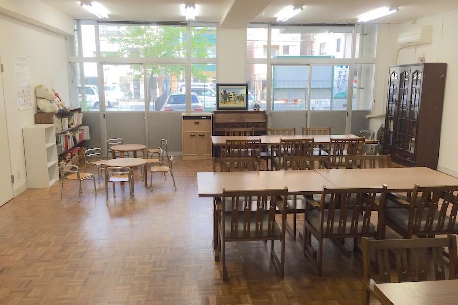 インスタント会議室 福岡赤坂店 : 1階 レンタルスペース(非営利向けプラン)の会場写真