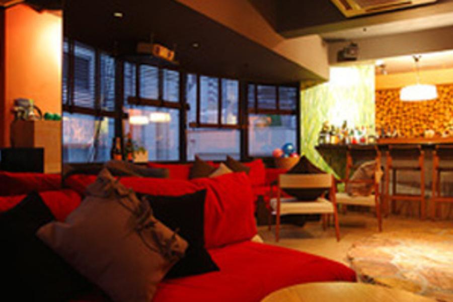 KEYNOTE LOUNGE : 会議室、サロンスペースの会場写真