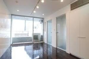 渋谷駅すぐ。キッチン付きのデザイナーズマンションの写真