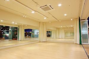 【ワールドポーターズ】ヨガ・ダンスのレッスンやお子様の発表会におすすめ!(平日)の写真