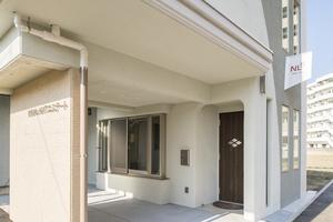 ほっと出来るオープンテラスやテレビ付き浴槽も完備!築1年の新築レンタルスペース。の写真