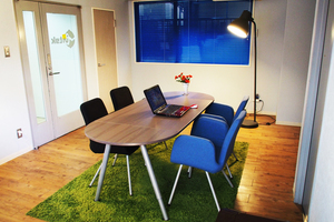 会議、撮影に使えるおしゃれなSOHO系オフィス!の写真