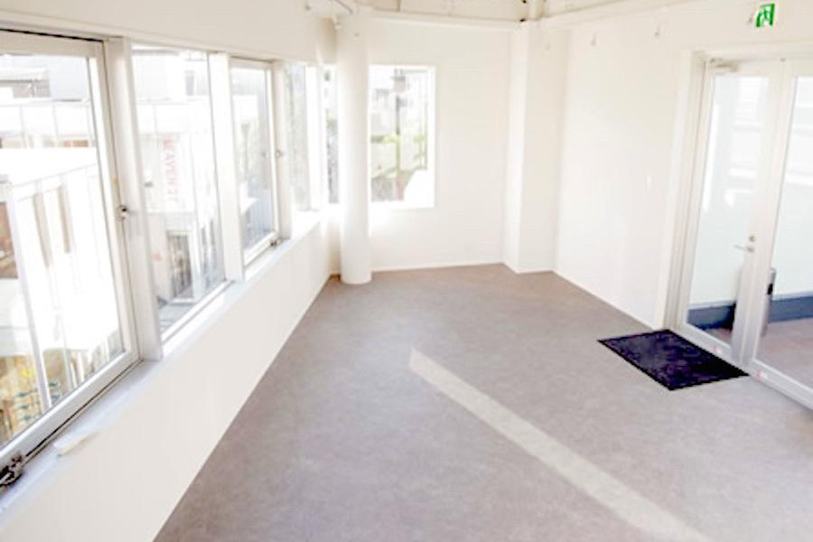 神宮前 貸し会議室 ライフスタイル : ギャラリースペースの会場写真