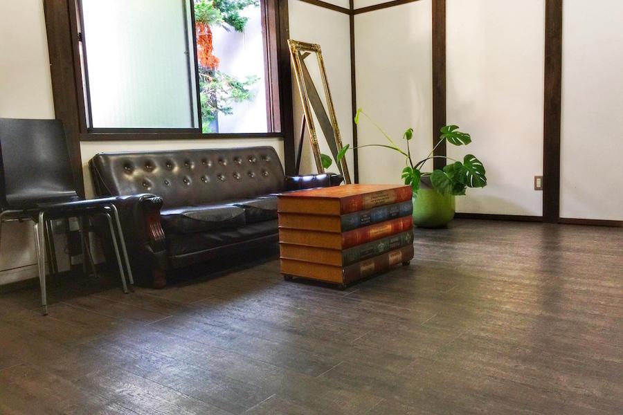 彦根城近くのアンティークなレンタルスペース : 来客スペース、オフィススペースの会場写真