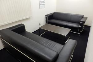 【神田・岩本町】少人数の打ち合わせに最適な応接室の写真