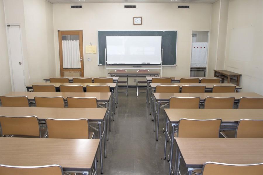 横浜YWCA会館 : 202号室の会場写真