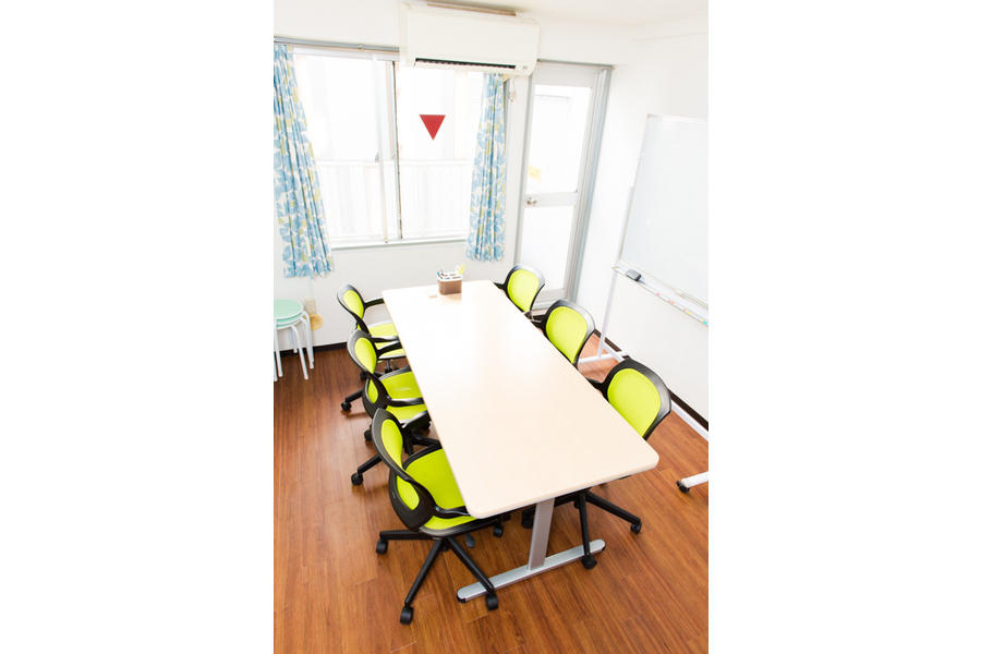 恵比寿駅西口すぐ!完全個室の格安会議室 : 完全個室の会議室の会場写真