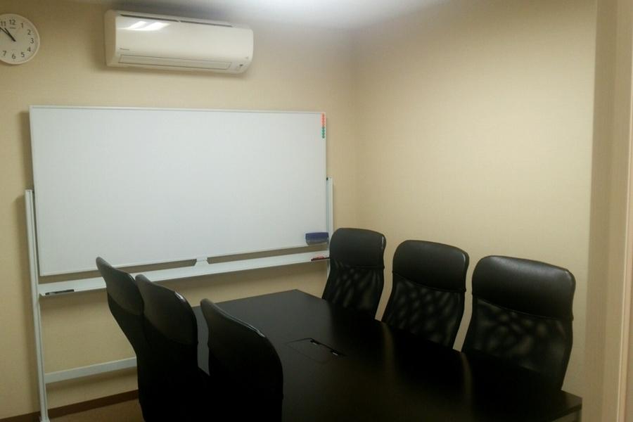 レンタルオフィス シェアル岩本町アネックス : 会議室Cの会場写真