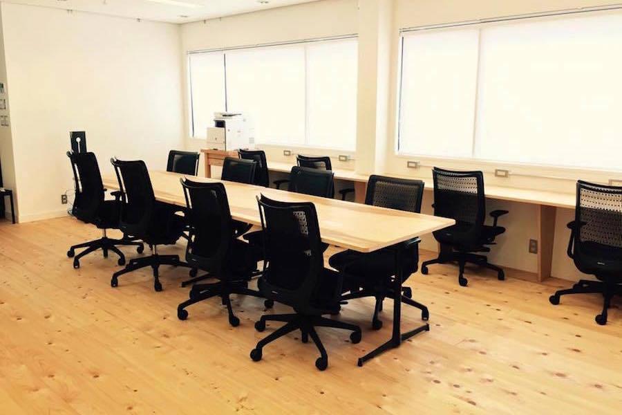 下高井戸コワーキングスペース「iNVENTO」 : 個室スペース(15名用)の会場写真