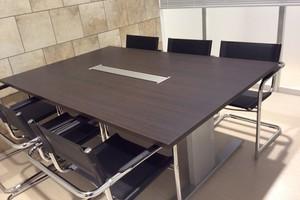 レンタルスペースRAKUNA上野Ⅱ : 会議室(6名部屋)の会場写真
