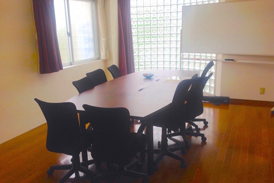 【和泉府中】ビッグパーク : 会議室 (〜8名)の会場写真