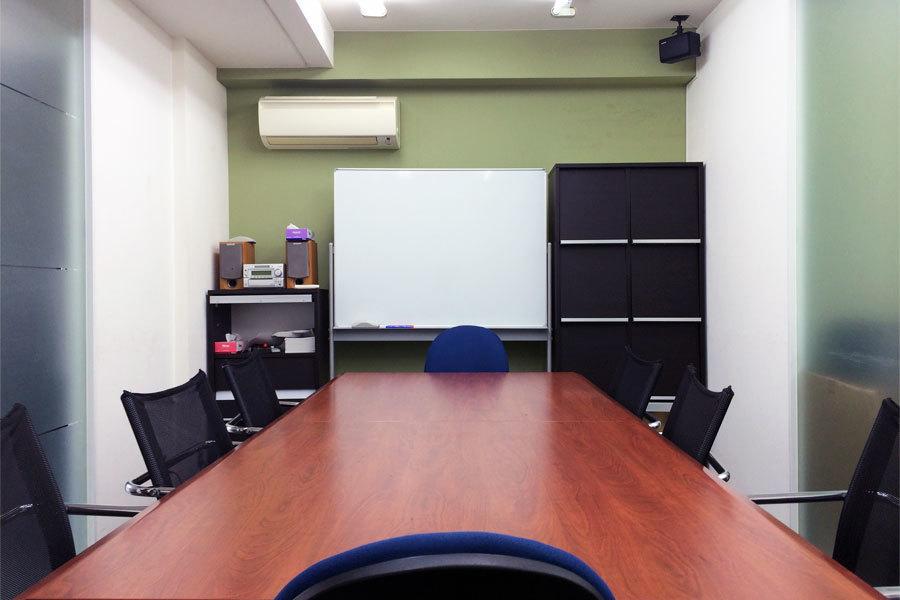 インスタント会議室 代々木店 : 会議室Aの会場写真
