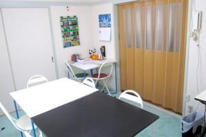 【桜新町】Tess レンタル教室 : 6名用半個室スペースの写真