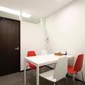 個室会議室B(4名用)@PLAY JOB
