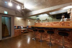 江ノ島ゲストハウス134 : 地下ラウンジスペースの会場写真