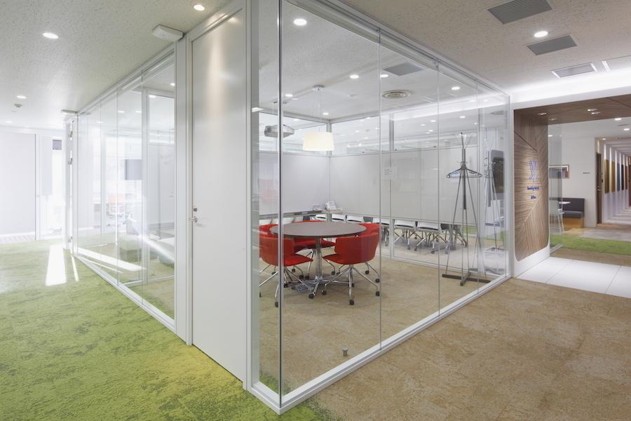 九段下の貸会議室 ナレッジソサエティ : 小会議室(5名)の会場写真