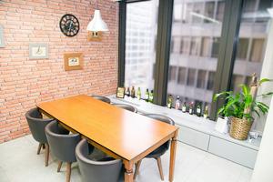 カフェのように落ち着ける空間!ミーティングルーム【cafe】の写真