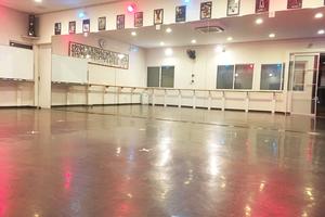 シェアスタジオ FREE STYLE : 多目的スペースの会場写真
