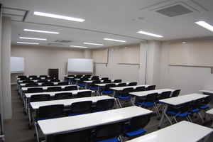 【貸出備品無料】29年4月28日リニューアルオープン!新しい会議室で多用途にお使いくださいませ♪の写真
