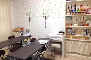 【女性限定】難波レンタルスペース : セミナールームの会場写真