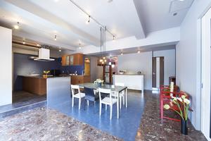 西麻布レンタルスペース「RICO」 : 【5時間パック】オープンスペース+半個室の会場写真