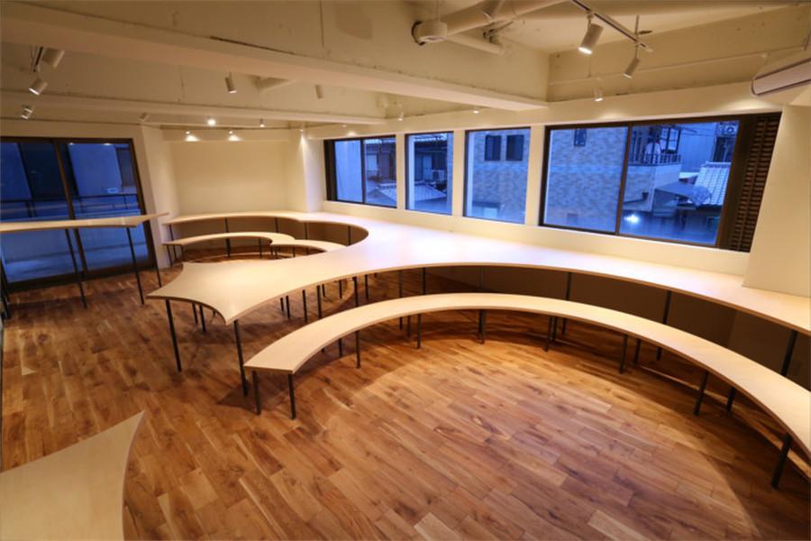 個別指導塾 Study Room : セミナールームの会場写真