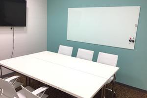 【本町駅近】スタイリッシュな雰囲気の貸し会議室の写真