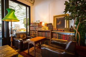 BOOKS : お部屋の会場写真