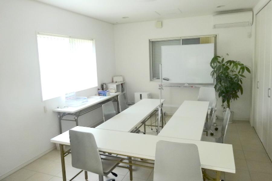 野洲レンタルスペース : 個室会議室の会場写真