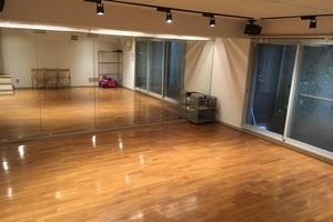 改装したての綺麗なスタジオです!会議からダンスレッスンまで、様々な用途に使って頂けます。の写真