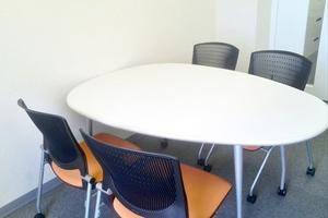 半個室会議テーブルA(4名用)の写真