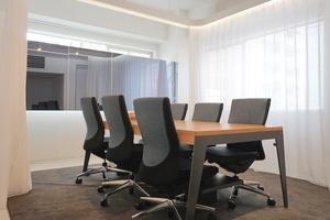 【銀座】ハイチェアのあるハイグレード貸し会議室(〜6名)の写真