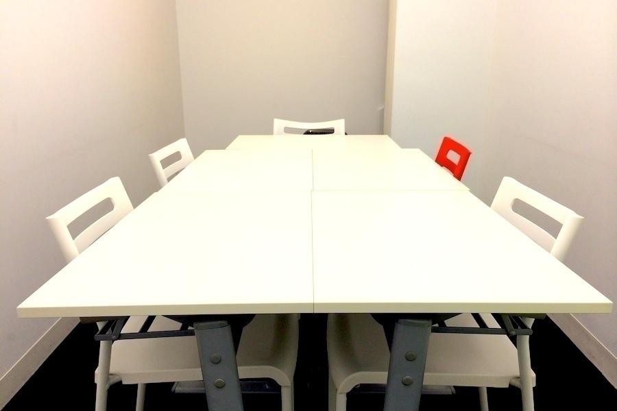 インスタント会議室 銀座店 : 個室会議室Aの会場写真