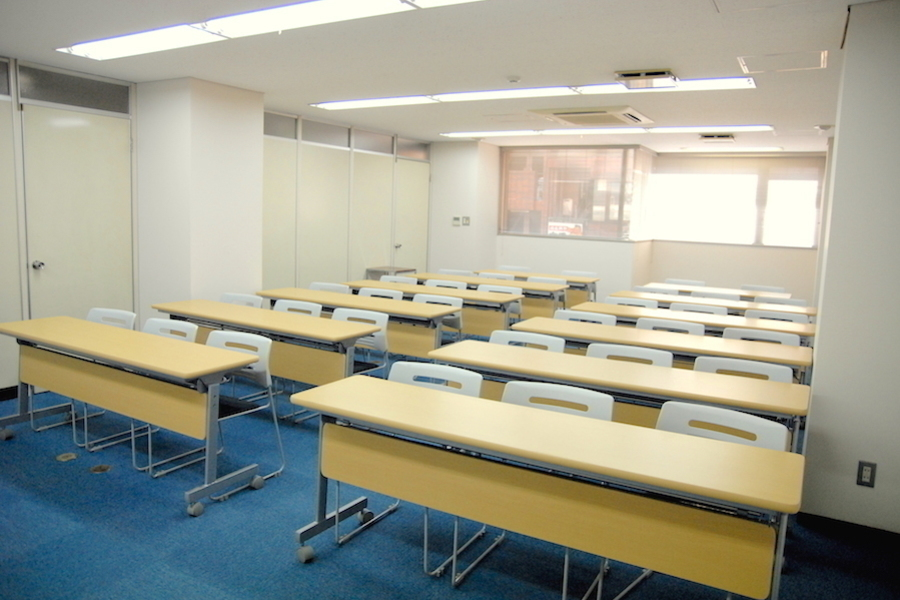 Natuluck赤坂 : 中会議室(3階)の会場写真