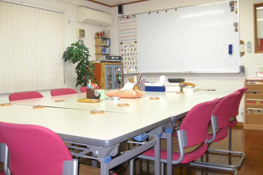 湘南中文學苑 : 2号館・甲教室の会場写真