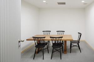 【有楽町1分】明るく綺麗な個室ミーティングルームの写真