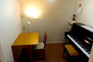 西麻布 防音スタジオC(アップライトピアノ常設)の写真