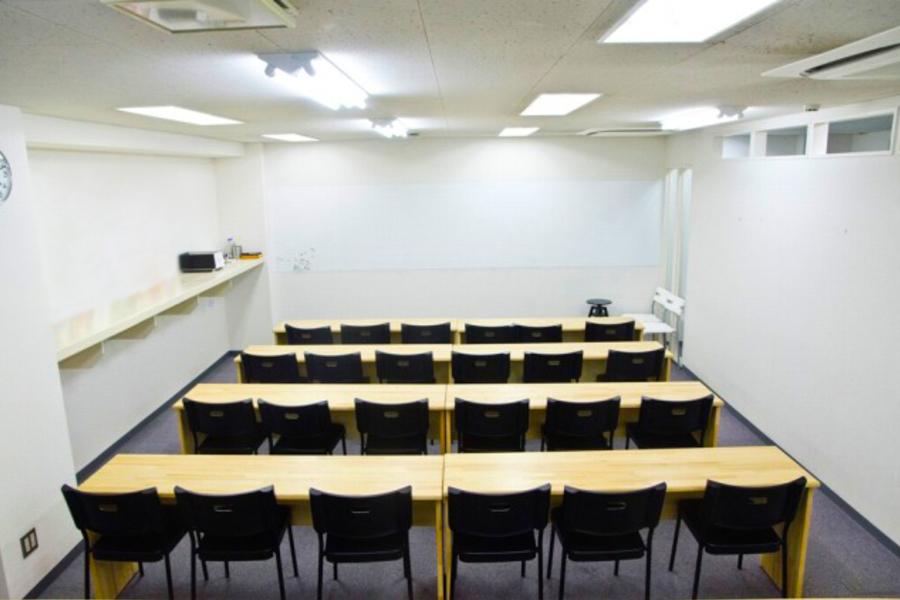 インスタント会議室 京橋店 : セミナールーム(30名様迄)の会場写真