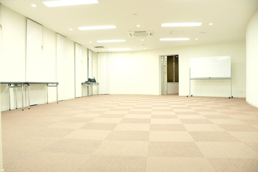鶴舞フォトスタジオ : コミュニティルームの会場写真