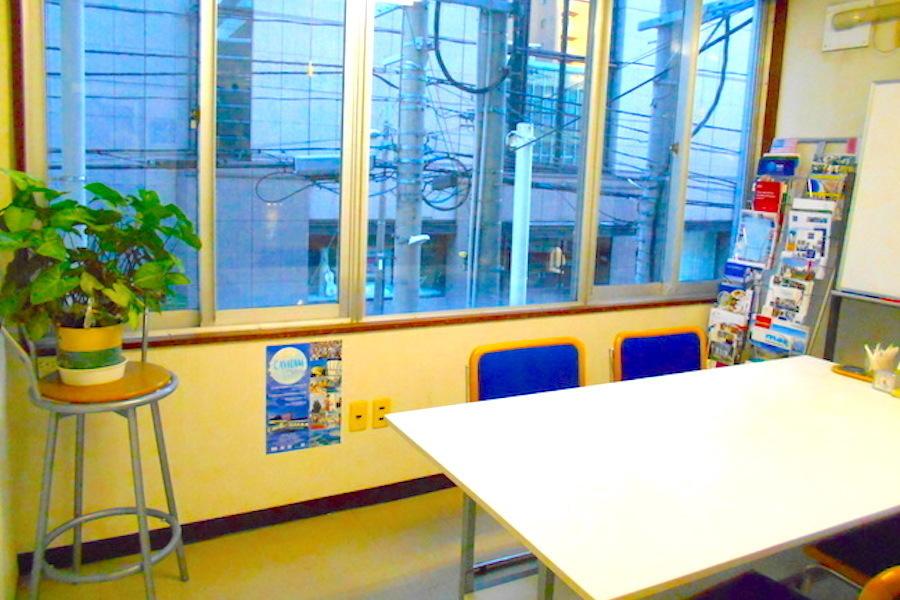 新潟市 本町通レンタルスペース : 会議室1の会場写真