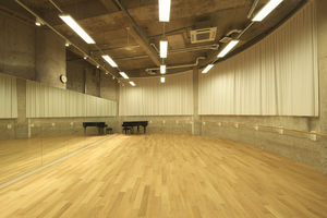 表参道徒歩6分。閑静な環境にある気持ちのよいダンススタジオです。の写真