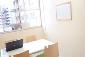 金沢レンタルスペース Square : 会議スペースの会場写真