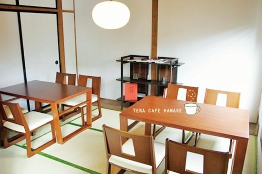 札幌 カフェスペースはなれ : 1F カフェスペースの会場写真