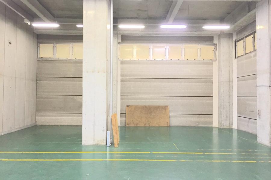 住道ワークスペース サードエイジ : 作業&保管スペースの会場写真