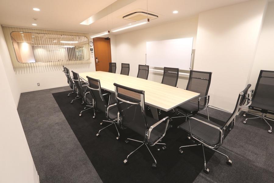 【横浜】馬車道駅前会議室 : 中会議室Bの会場写真